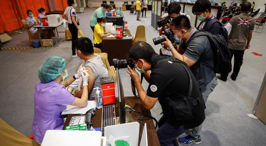 Os tailandeses parecem enfrentar uma nova vaga da pandemia