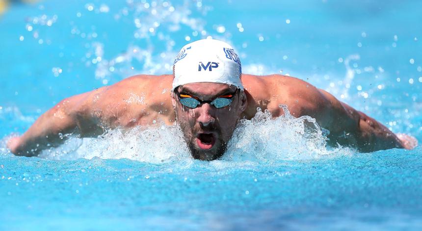 A Federação Portuguesa de Natação tem um protocolo com a marca de equipamentos desportivos do antigo campeão olímpico Michael Phelps