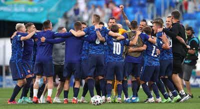 Euro2020. Defesa Vavro e membro do staff da Eslováquia com teste positivo à covid-19