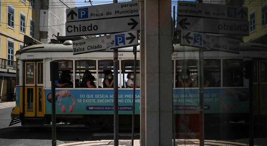 """Os norte-americanos estão """"convidados"""" pelas autoridades sanitárias do país a não visitar Portugal devido à pandemia"""