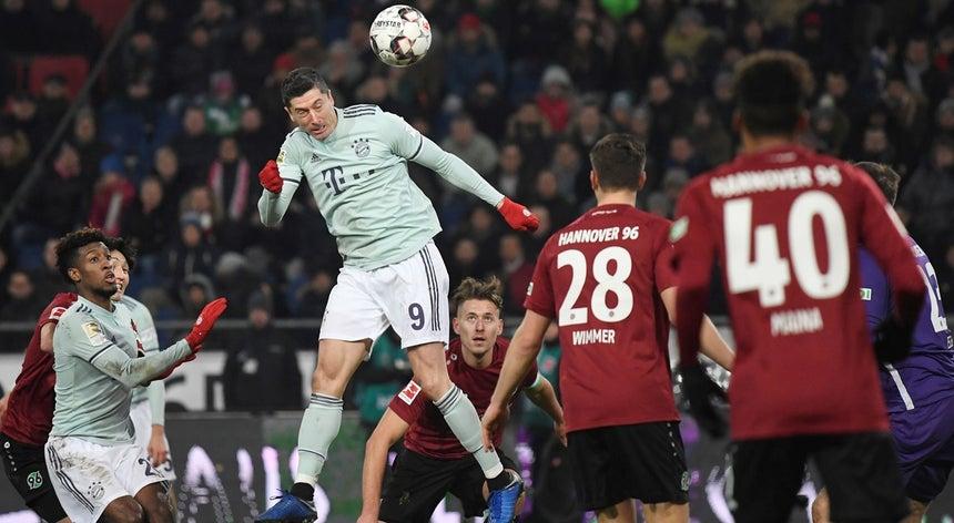 Bayern goleia em Hannover e sobe ao segundo lugar na Alemanha ... 98881a7caf63e