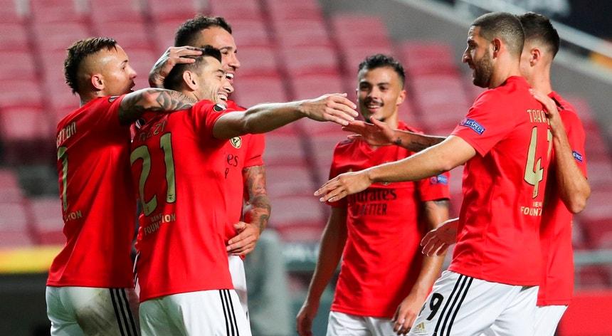 Liga Europa Benfica Soma 23 º Jogo Consecutivo Sem Perder Em Casa E Iguala Recorde