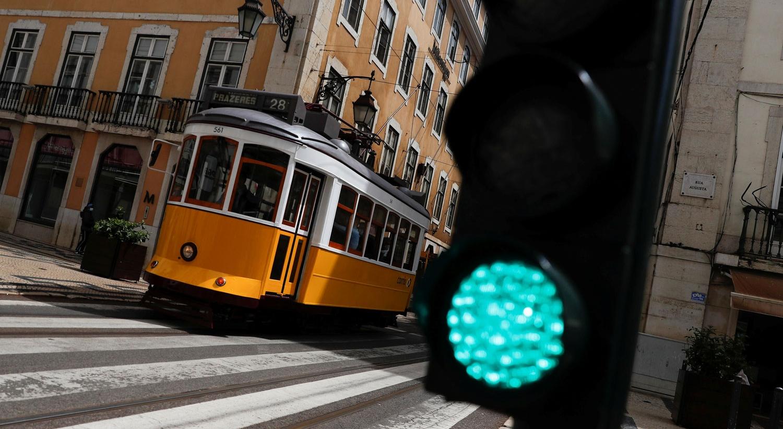 Sondagem. Portugueses dão nota positiva a políticos e entidades durante a pandemia