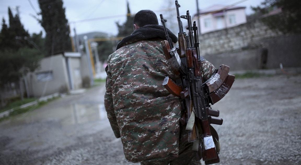 Regiâo de Martakert, soldado do exército de Nagorno-Karabakh   Reuters