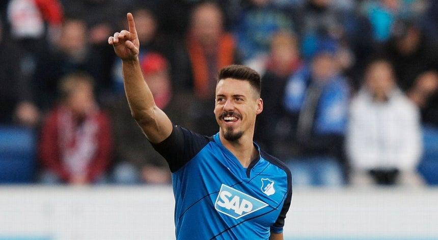 Bayern Munique contrata avançado Sandro Wagner - Futebol ... 772c8a5b055b9