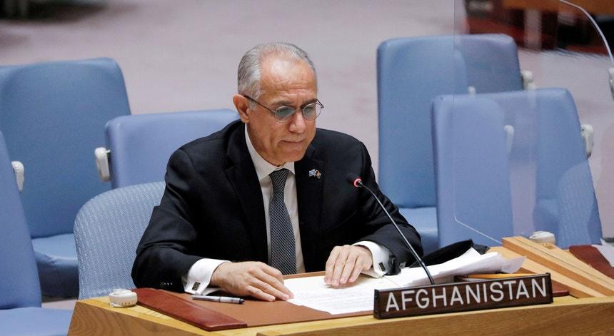 O atual representante do Afeganistão na ONU, Ghulam Isaczai, foi nomeado antes da chegada dos talibã ao poder. Fotografia de arquivo de uma intervenção de Isaczai no Conselho de Segurança, em agosto de 2021.