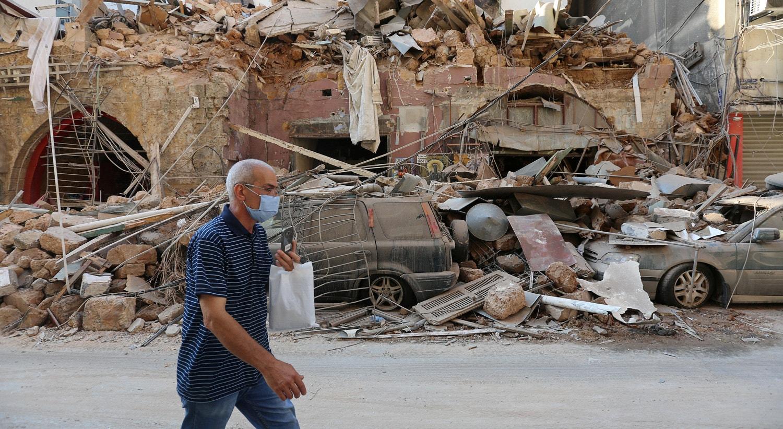As principais ruas da baixa da capital acumulam destroços e veículos danificados, assim como fachadas de edifícios derrubadas pelo impacto.   Aziz Taher - Reuters