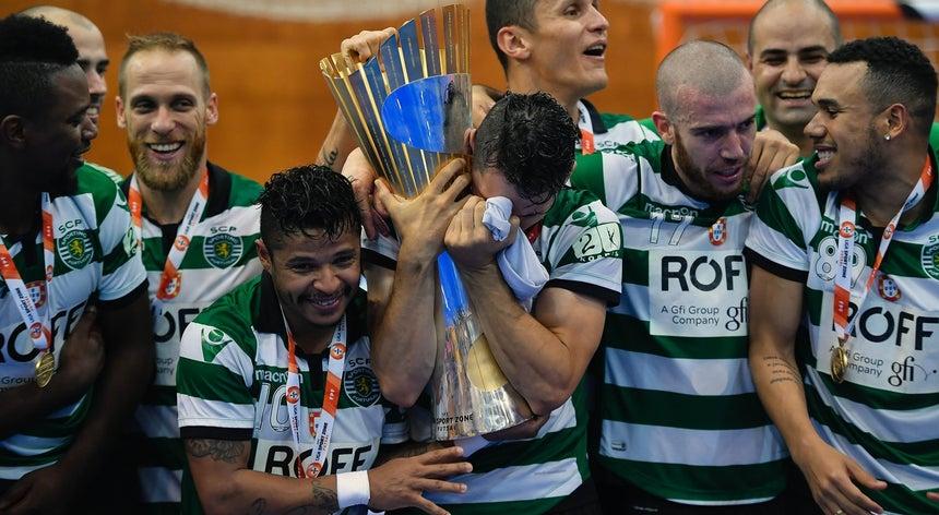 Sporting sagra-se campeão português de futsal - Futsal - Desporto ... d84bf9a342cce