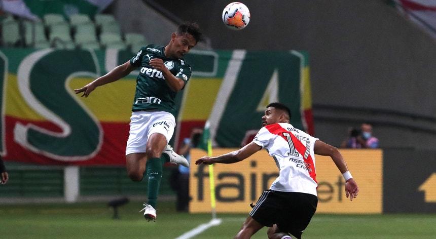 Os jogadores do Palmeiras chegaram mais alto e estão na final da Taça Libertadores 21 anos depois