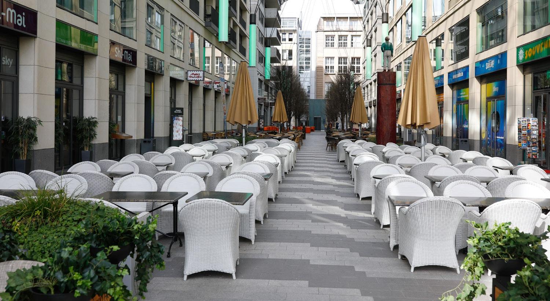Restaurantes vazios, nas ruas de Berlim, na Alemanha / Axel Schmidt - Reuters