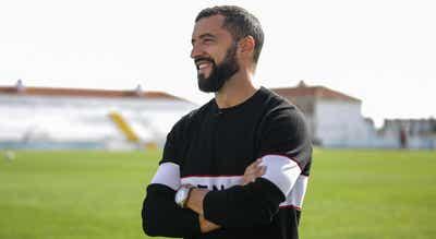 Simão Sabrosa é o novo diretor para as relações internacionais do Benfica