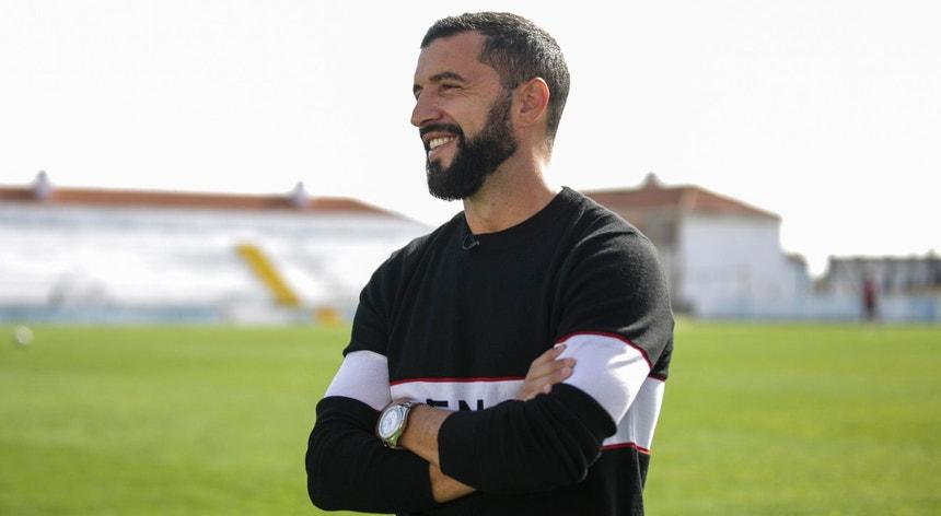 Simão Sabrosa é o rosto do Benfica no exterior