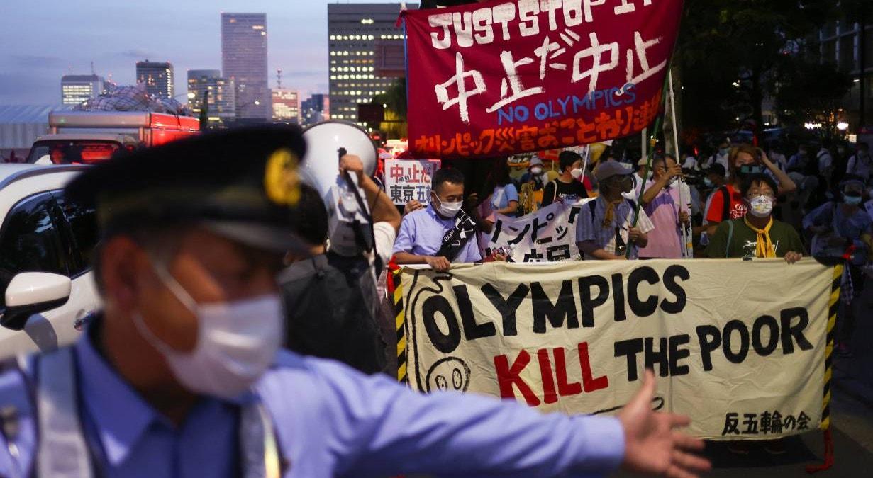 """""""Os jogos olímpicos matam os pobres"""". Protestos   Edgar Su - Reuters"""
