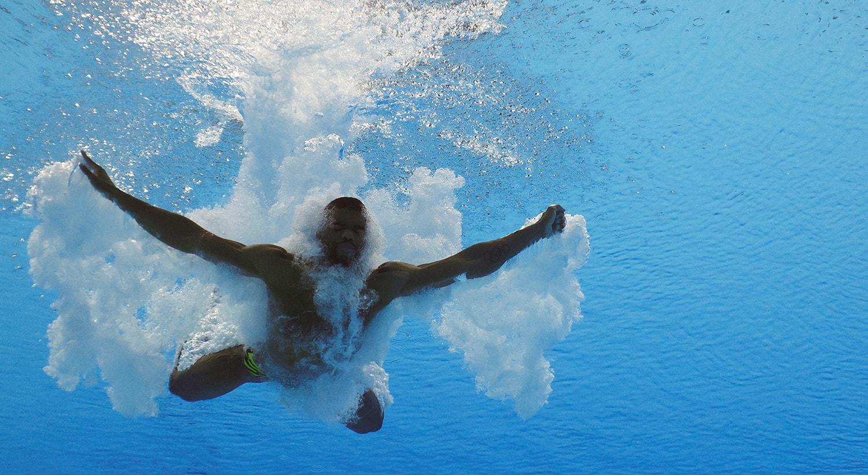 Semi-final de Mergulho, prova de Yona Knight-Wisdom, atleta jamaicano.   Foto: Stefan Wermuth - Reuters