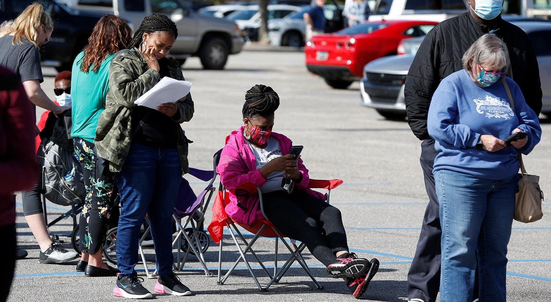 Os eleitores fazem fila para votar em Effingham, Carolina do Su |REUTERS/Randall Hill