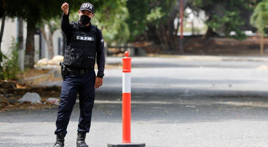 A polícia prendeu três suspeitos de terem assassinado um português em La Guzman, na Venezuela