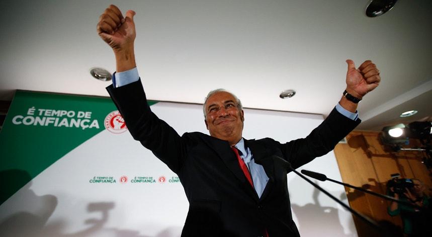 """""""Certamente o partido fará serenamente a avaliação dos resultados eleitorais"""", declarou Costa no Hotel Altis, em Lisboa"""