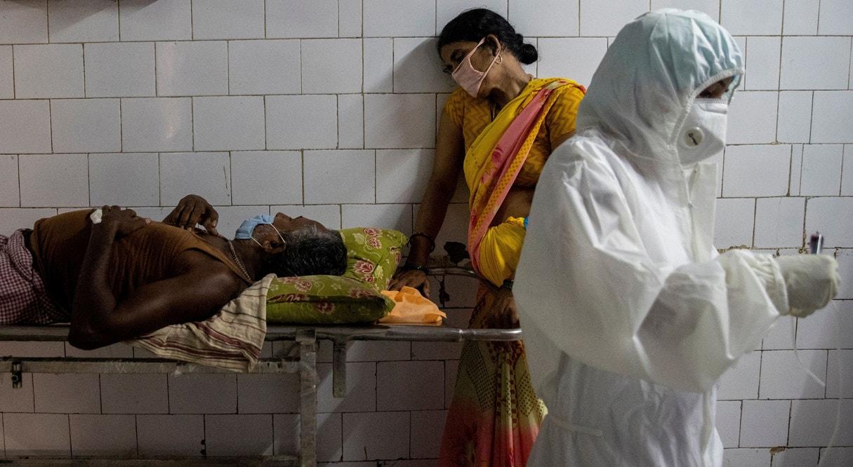 Emergência Covid-19 no hospital  Jawahar Lal Nehru Medical College | Danish Siddiqui - Reuters