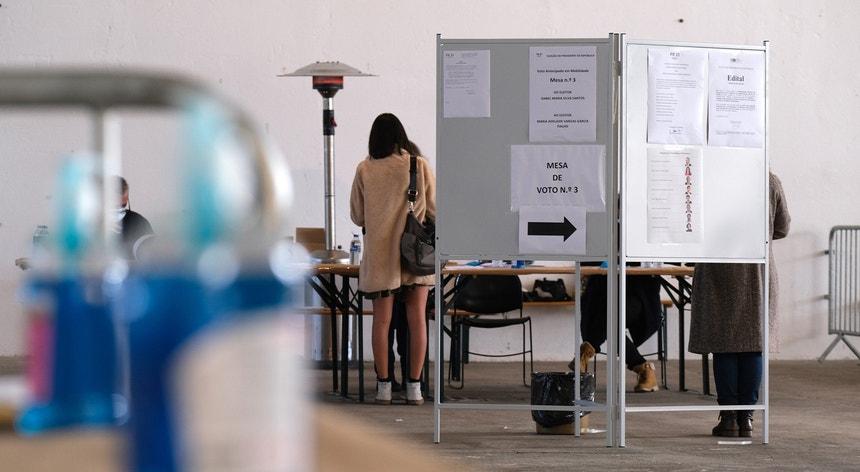 """""""É necessário evitar o contágio e é preciso não delegar o nosso voto"""""""