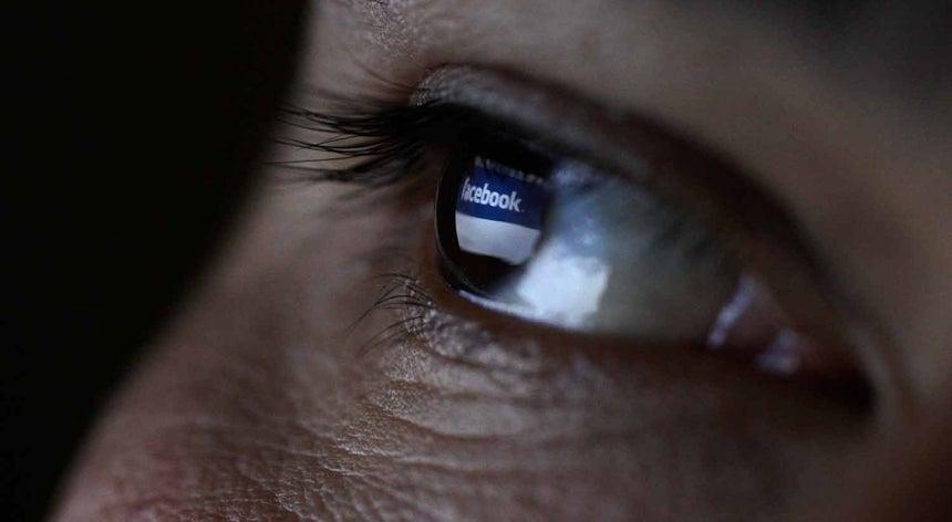 Resultado de imagem para Facebook compra empresa que investiga controlo de computadores através da mente