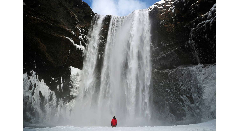 Cascata Skogafoss na Islândia, 8 de março de 2020. /Hannah McKay - Reuters