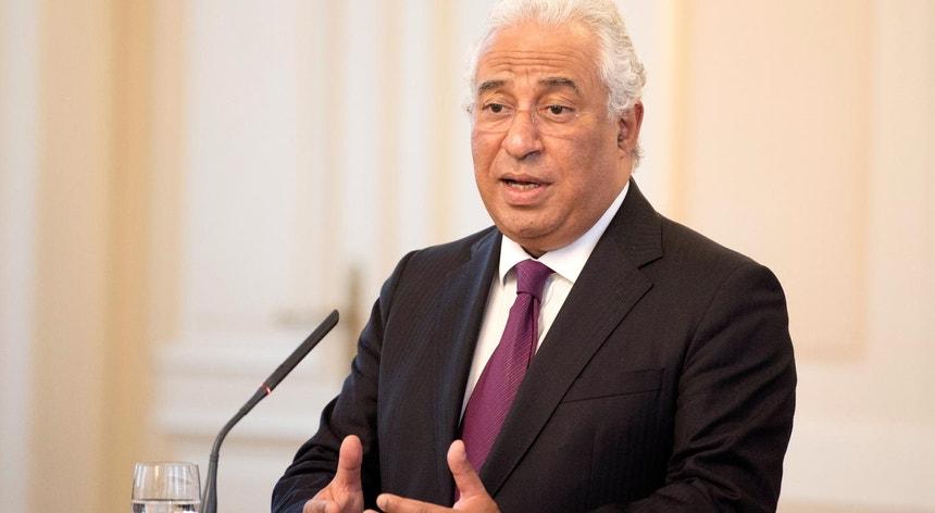 """No Fórum Económico Mundial, o primeiro-ministro vai passar a mensagem de que Portugal """"é um país em franco processo de recuperação económico-financeira"""""""