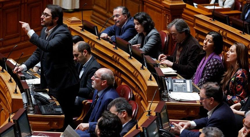 Resolver carências do SNS não depende de alteração da Lei de Bases da Saúde, diz PCP