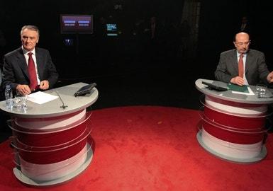 """""""Terão que nascer duas vezes para ser mais sérios do que eu"""", disse Cavaco em reacção às acusações de Defensor de Moura"""