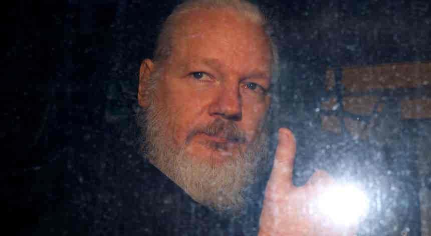 Wikileaks. Suécia põe fim à investigação de violação contra Julian Assange