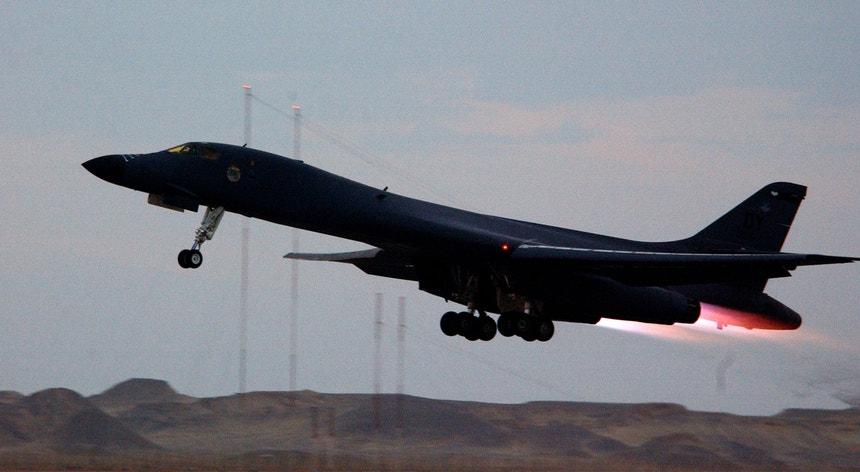 O bombardeiro B-1B já tinha sido usado para passar a leste da Coreia do Norte, no final de setembro