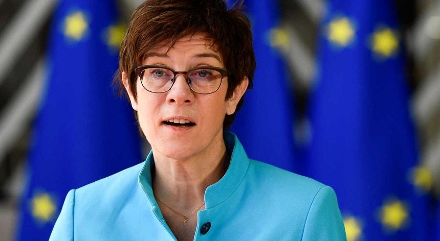 Ministra alemã da Defesa em Bruxelas