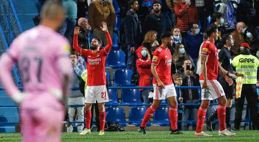 I Liga. Benfica reassumiu a liderança mas sofreu