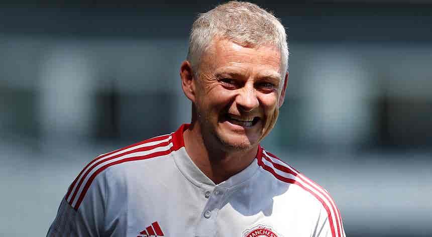 Solskjaer renova com o Manchester United até 2024