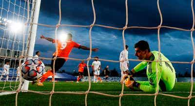 Liga dos Campeões. Shakhtar de Luís Castro surpreende Real, Éder estreia-se a marcar na Europa