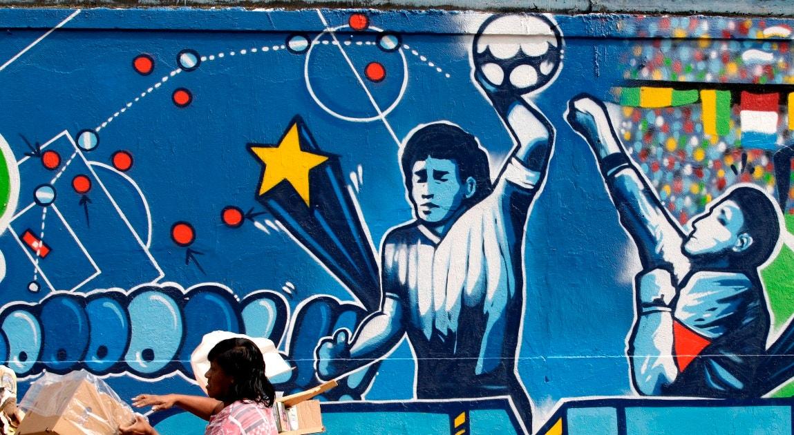 2010. Mural, Mão de Deus   Sergio Moraes - Reuters
