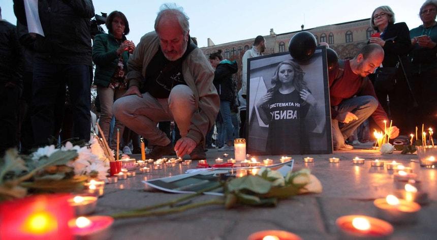 A jornalista búlgara que tinha denunciado alegados casos de uso fraudulento de fundos comunitários na Bulgária foi morta no sábado, vítima de agressão brutal