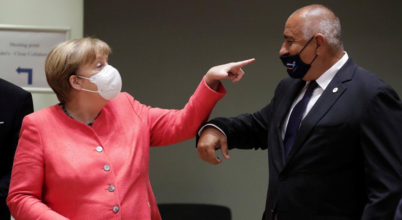Angela Merkle com o primeiro-ministo bulgaro, Boyko Borisov | Stephanie Lecocq - Reuters
