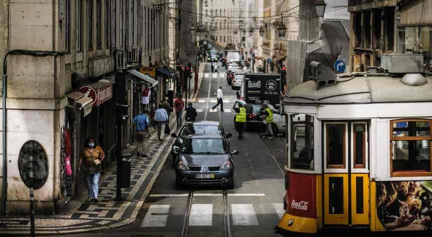 Portugal com mais cinco mortes e 888 casos de Covid-19