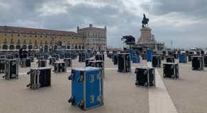 Terreiro do Paço foi invadido por malas em protesto