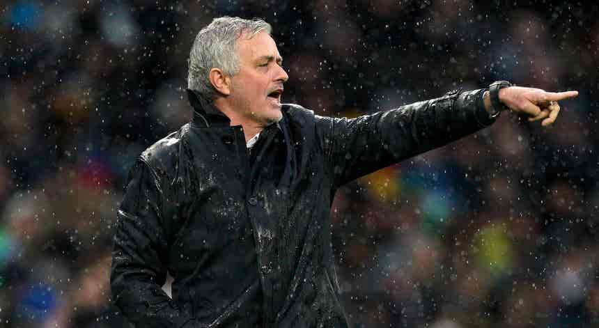 José Mourinho demitido de treinador do Tottenham