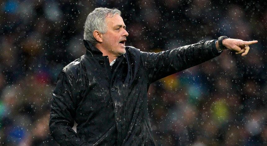 """José Mourinho diz adeus ao Tottenham sem ter conseguido levar os """"spurs"""" a conquistar títulos"""