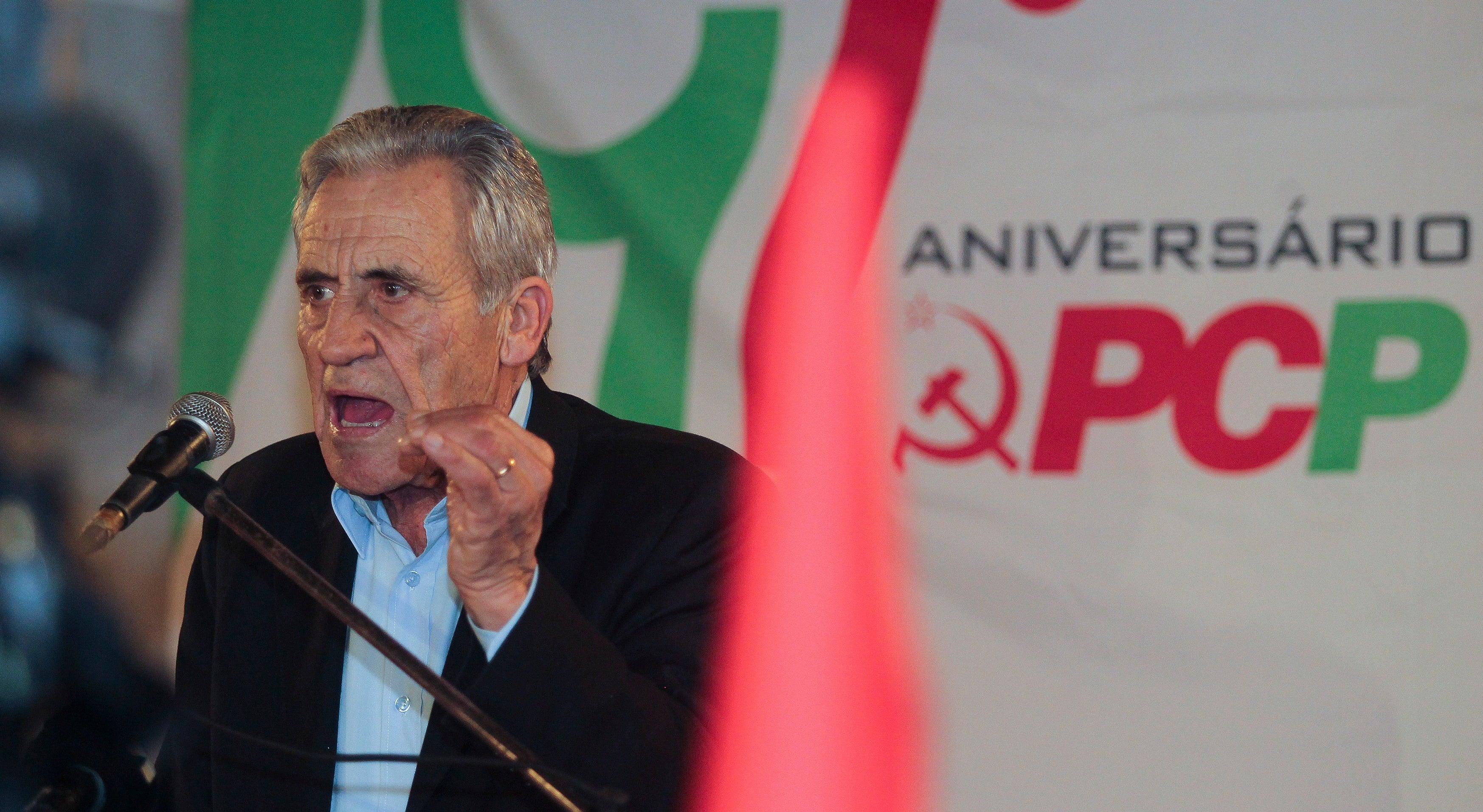 Jerónimo de Sousa denuncia estar em curso um bloco central informal entre PSD e PS