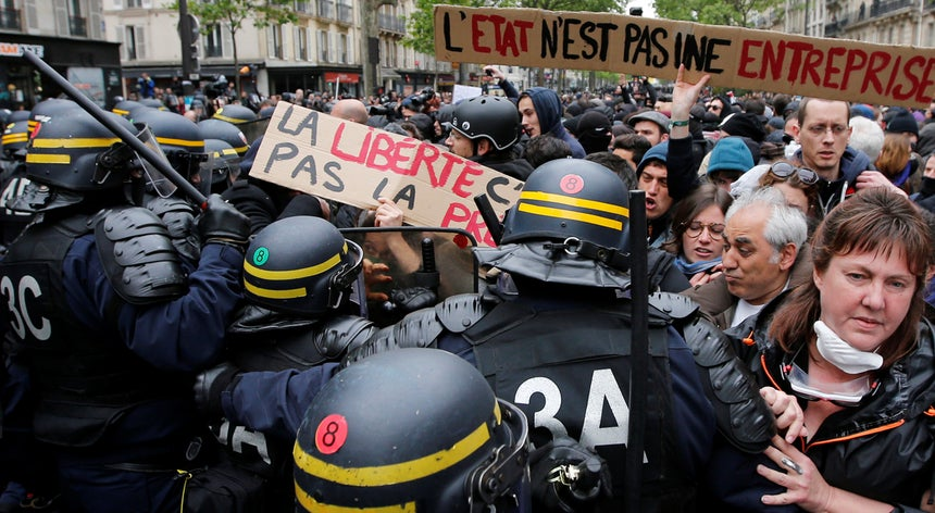 Resultado de imagem para Macron e os sindicatos