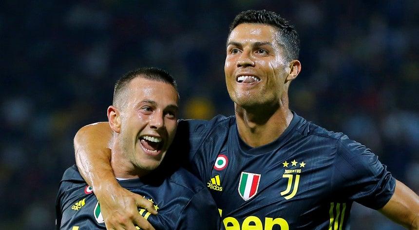 Cristiano Ronaldo marca na vitória da Juventus em casa do Frosinone ... b4d30e234ede8