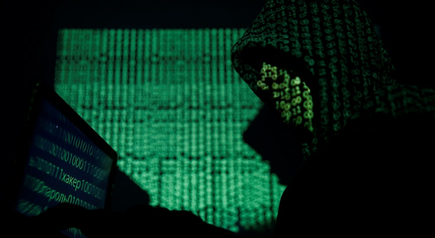 O hacker português tentou derrubar o sistema das eleições municipais brasileiras