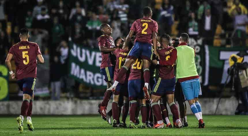 Sporting, detentor do troféu, eliminado da Taça pelo Alverca