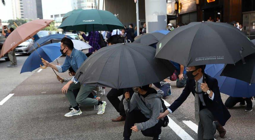 Protestos nas ruas de Hong Kong já duram há semanas