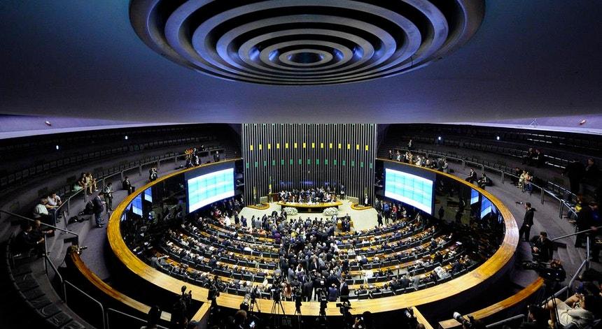 O Brasil pode ter feito história ao aprovar um projeto que revoga uma lei do período da ditadura