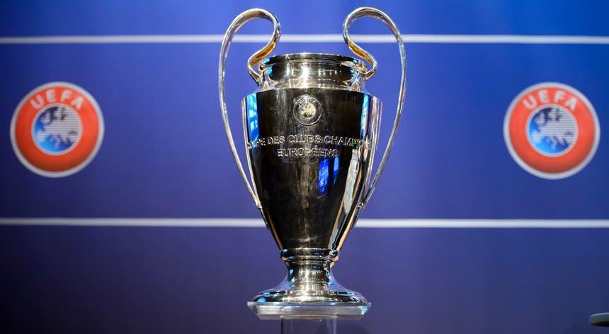 O Benfica beneficiou da eliminação do FC Porto e está no pote 2 do sorteio da fase de grupos da Liga dos Campeões