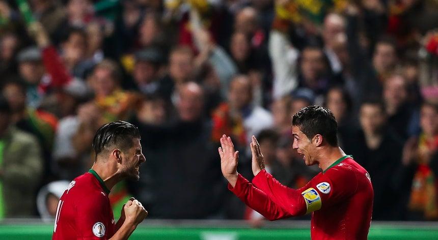 Portugal vence Suécia e dá passo importante rumo ao Mundial`2014 ... c3babdda6c5ed